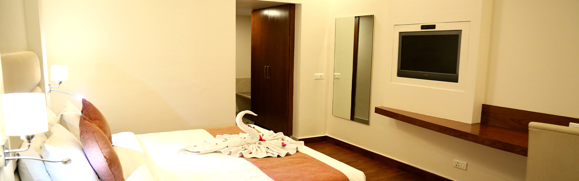 Executive Hotel Rooms in Dehradun at MJ Residency